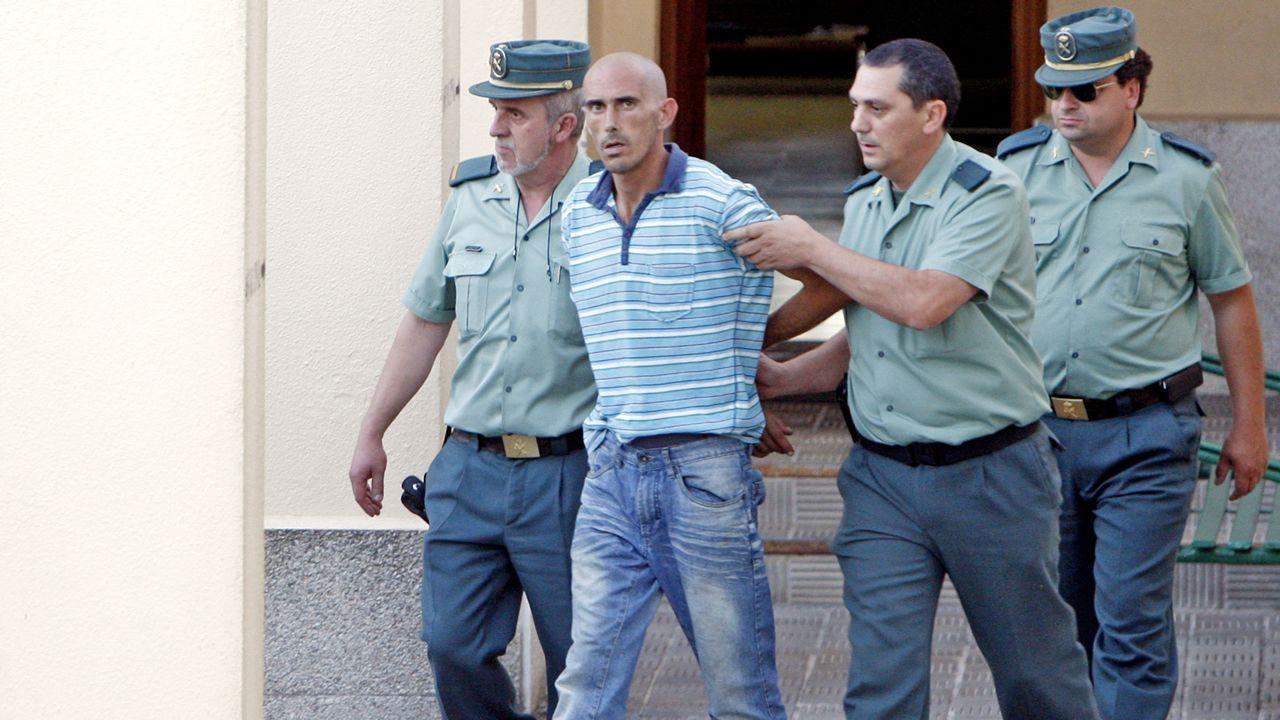 José Ángel Martins Mendoza, Peque, trasladado por la Guardia Civil a la Comandancia de Pontevedra.