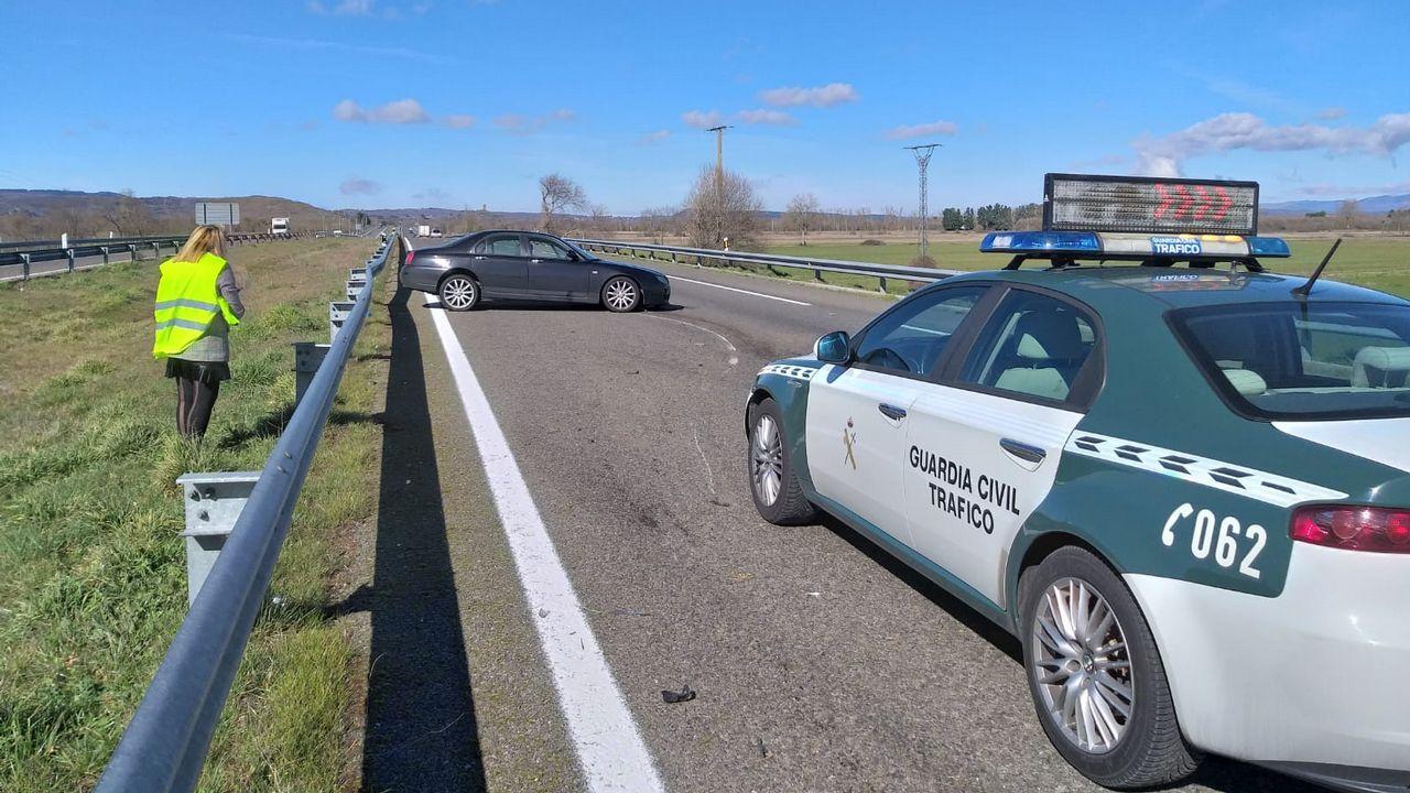 PSA prueba el coche del futuro en O Porriño.Las diferentes actuaciones de Fomento para parchear las deficiencias del asfalto hace que algunas actuaciones se solapen con otras