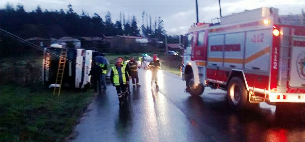 En el autobús escolar accidentado viajaban dos pasajeros, además del conductor.