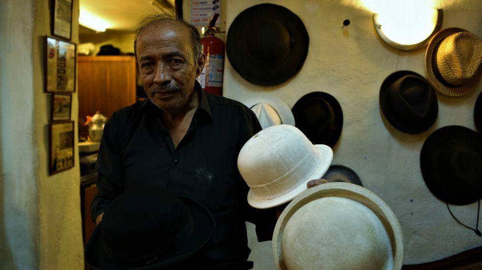 Relatos y Caminos: Capítulo 3.Un artesano sombrerero en su taller de La Ronda en Quito (Ecuador)