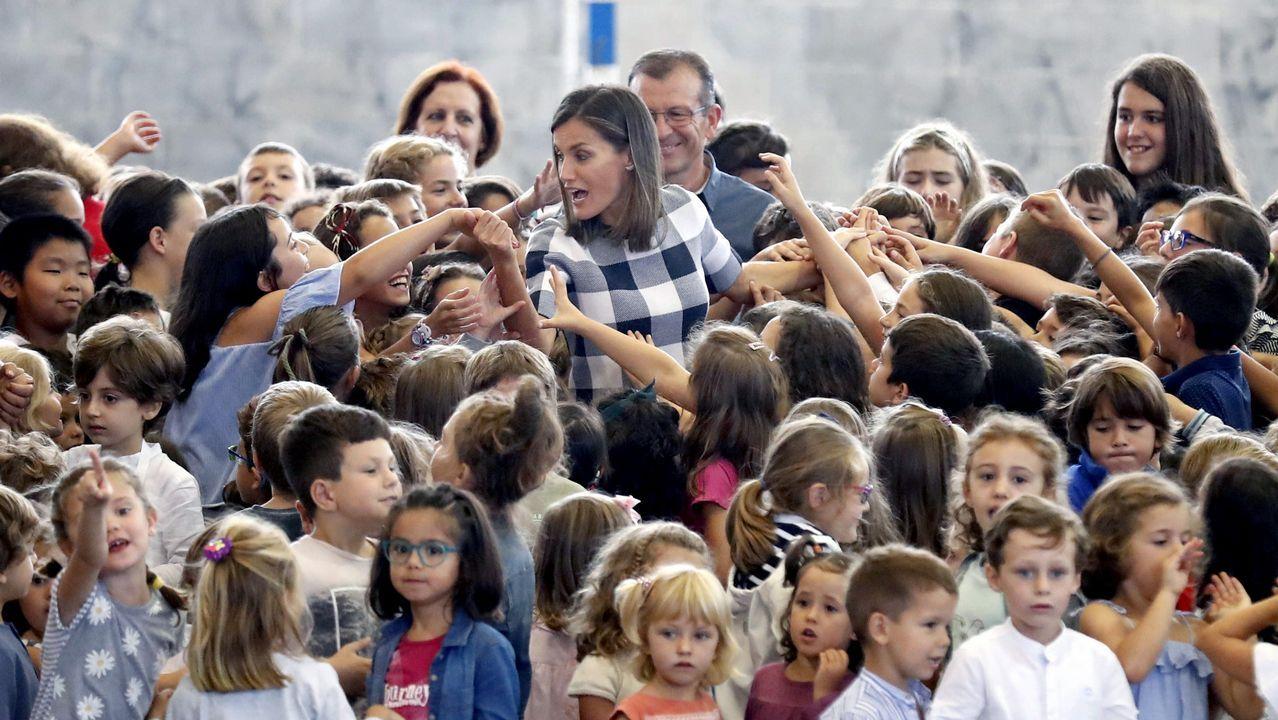 La reina Letizia visitó el colegio público Baudillo Arce de Oviedo para presidir el acto oficial de apertura del curso escolar.