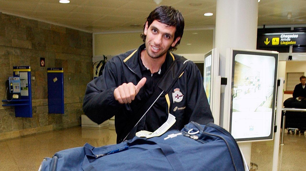 Los mejores momentos de Lassad en el Deportivo.Llegando al aeropuerto de Alvedro tras un compromiso con el Deportivo B