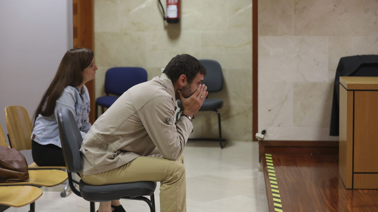 Natalio Grueso a su llegada a los juzgados