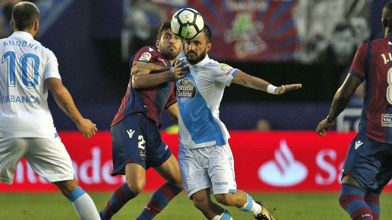 Las mejores imágenes del Levante - Deportivo.Portería del Deportivo