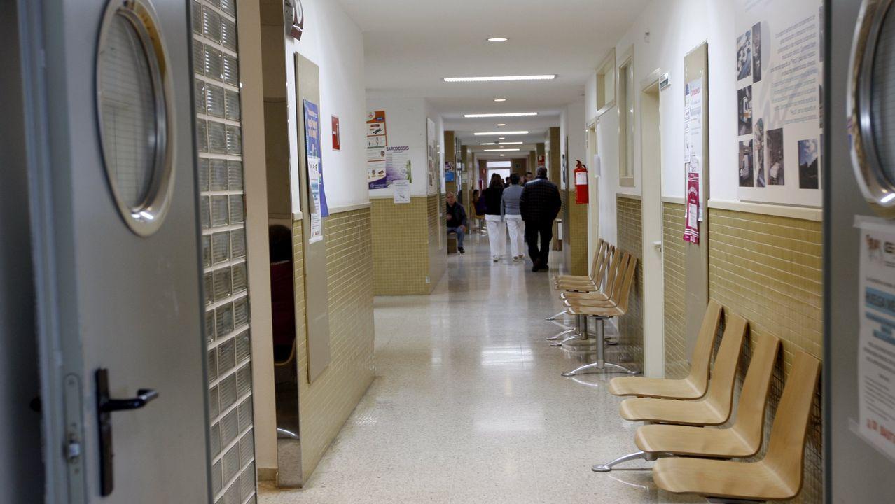 Imagen de la reunión que el conselleiro mantuvo en enero con los médicos que dimitieron de sus puestos en el área sanitaria de Vigo.