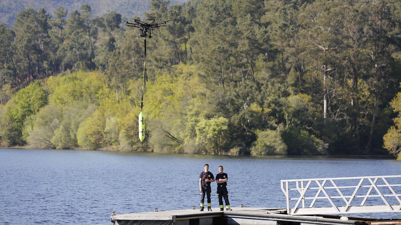 Simulacro de salvamento en agua con un dron
