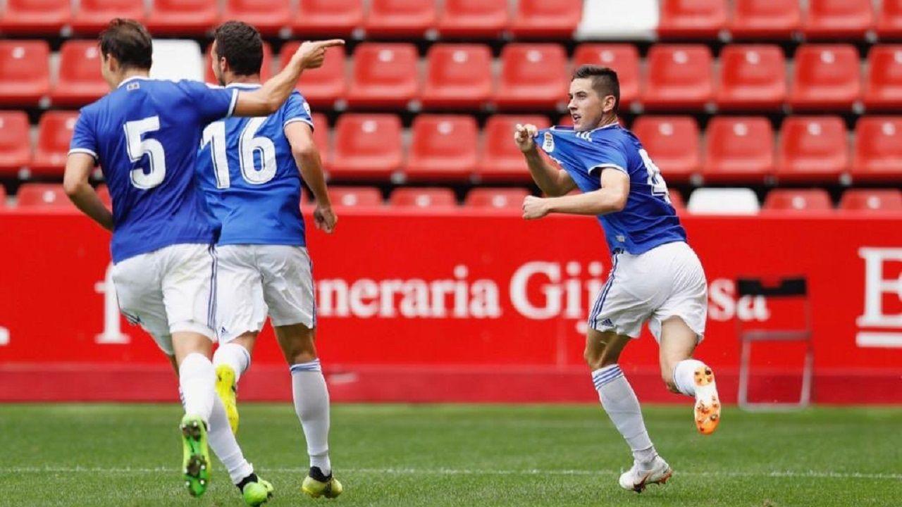 Tragedia en Mallorca por las lluvias torrenciales.Javi Hernández celebra su gol al Sporting B