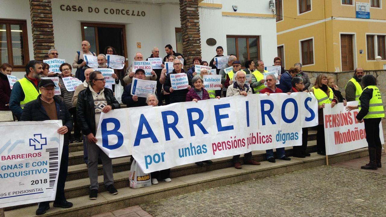 El percebe inunda Nochevieja.Manifestación de pensionistas en Bilbao