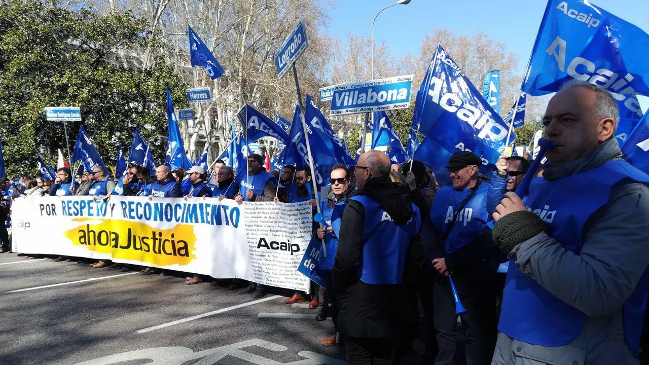 Funcionarios de la cárcel de Asturias, en una manifestación.Funcionarios de la cárcel de Asturias, en una manifestación