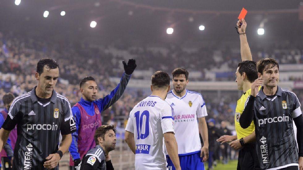 .Verdés recibe la tarjeta roja en Zaragoza