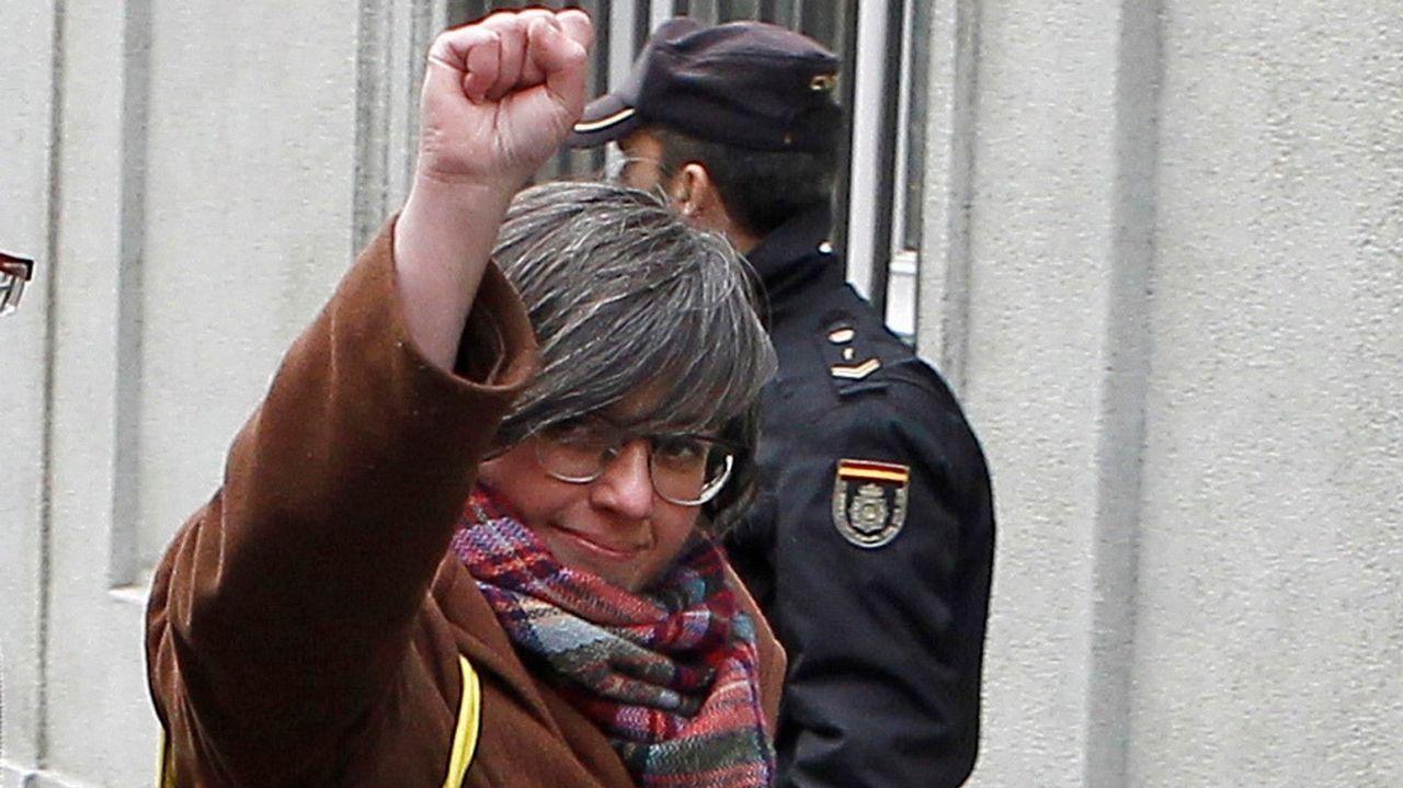 Anna Gabriel se refugia en Suiza.Alineaciones Chelsea-Barcelona