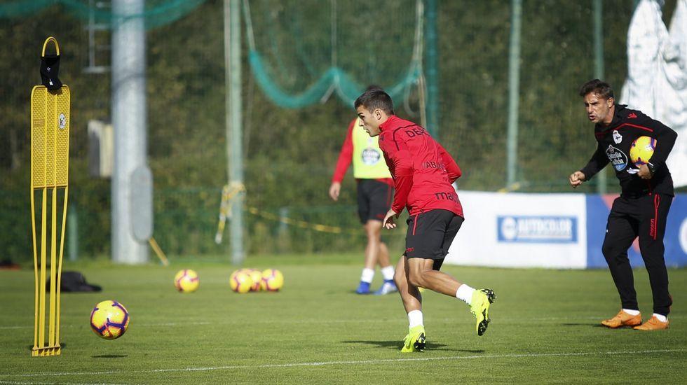 Natxo sobre Carles Gil: «Si se va, que se vaya».Gerard Valentín entrenando con el Deportivo