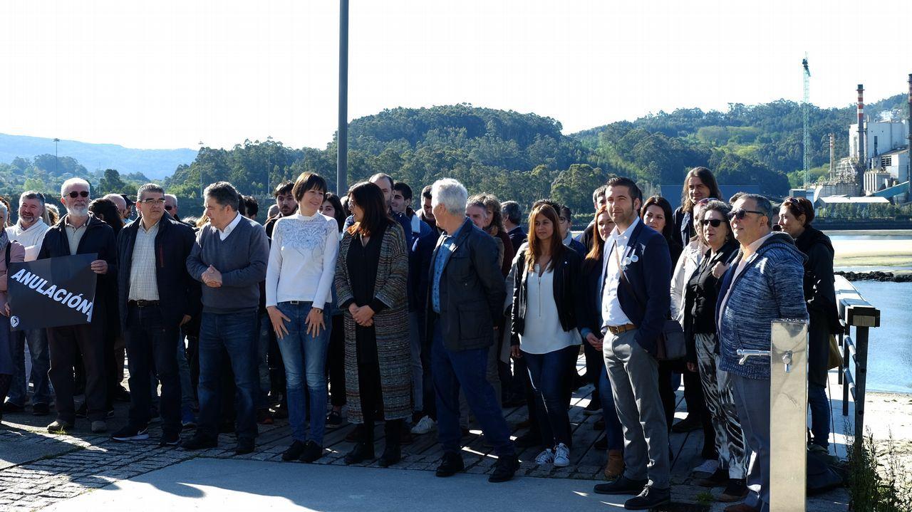 Independentistas increpan a Arrimadas en un acto en Vic.Los alcaldes de Ferrol, Jorge Suárez, y Santiago, Martiño Noriega