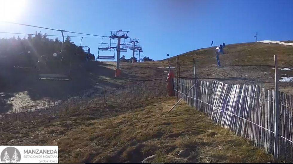 La estación de esquí presentaba este aspecto esta mañana
