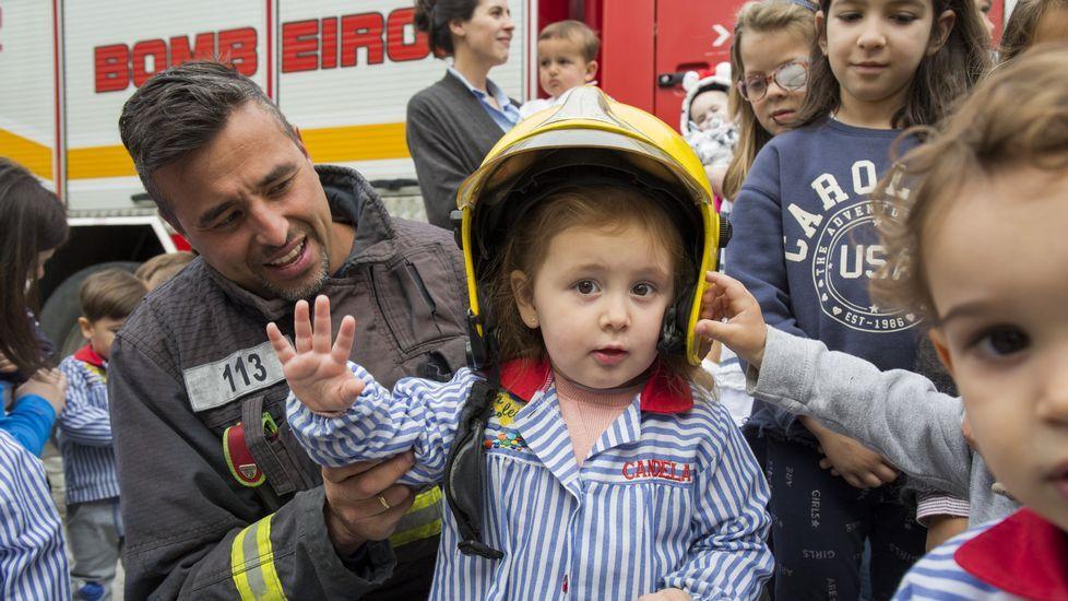 Simulacro de incendio en la escuela A Ledicia de Carballo: ¡el álbum!