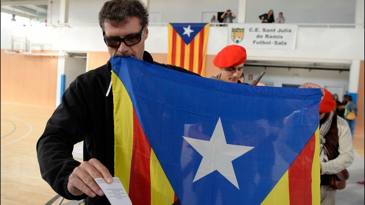 Homenaje independentista a los politícos huidos o presos