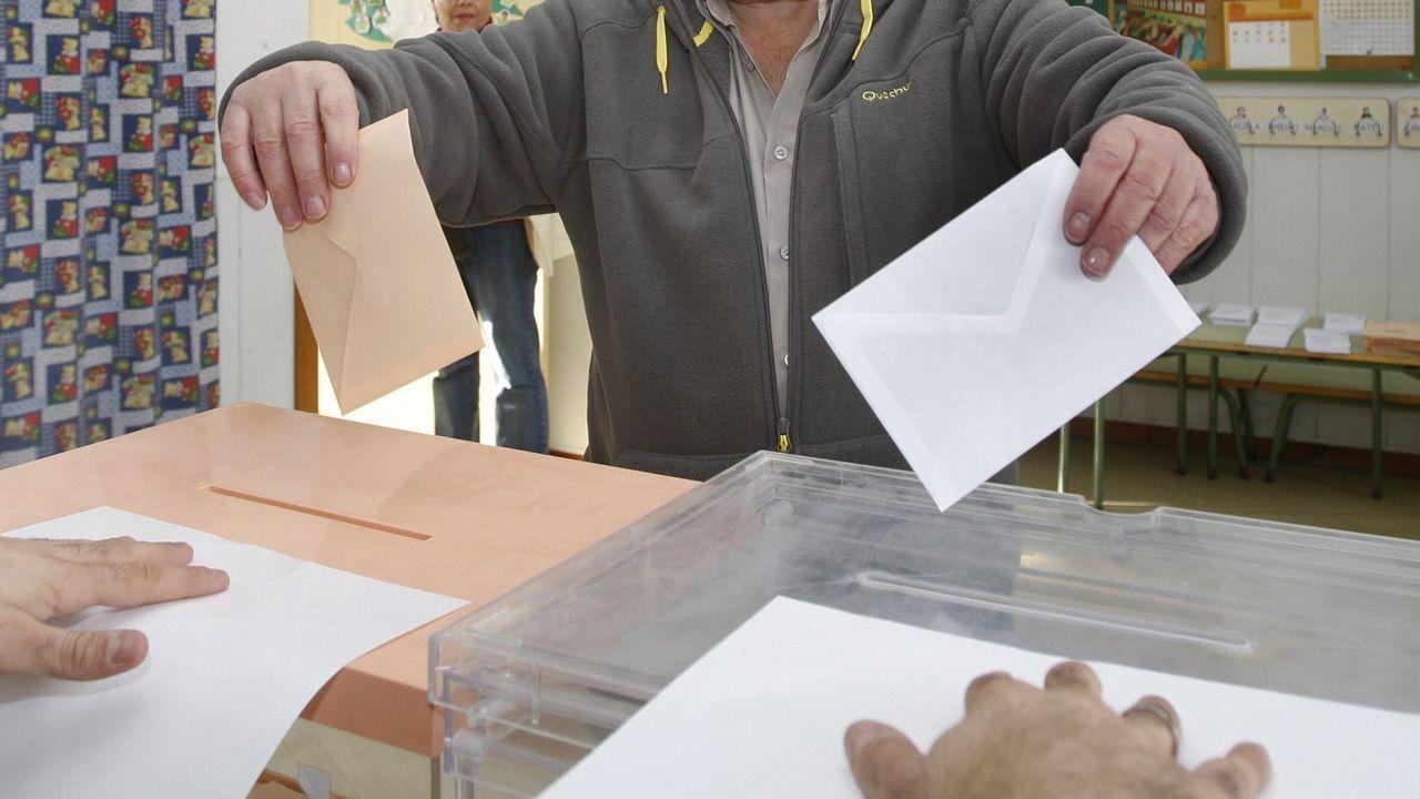 Imagen de uno de los vídeos de los partidarios de Vox que intentan sembrar dudas sobre el resultado de las elecciones