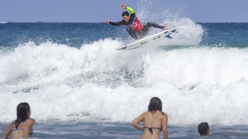 Protesta Acaip.Luis Díaz, en un momento de la Siroko Surf League
