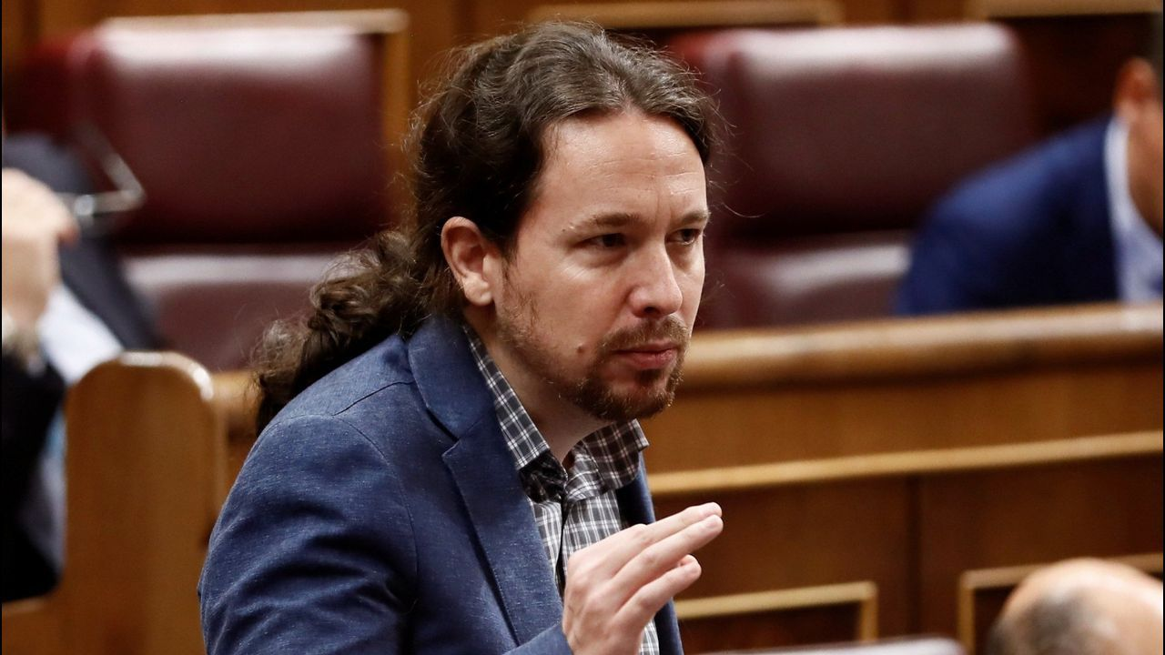 Sánchez, en una carrera por la conciliación, avanza las líneas maestras de los Presupuestos.Concentración en defensa de las pensiones públicas en Gijón