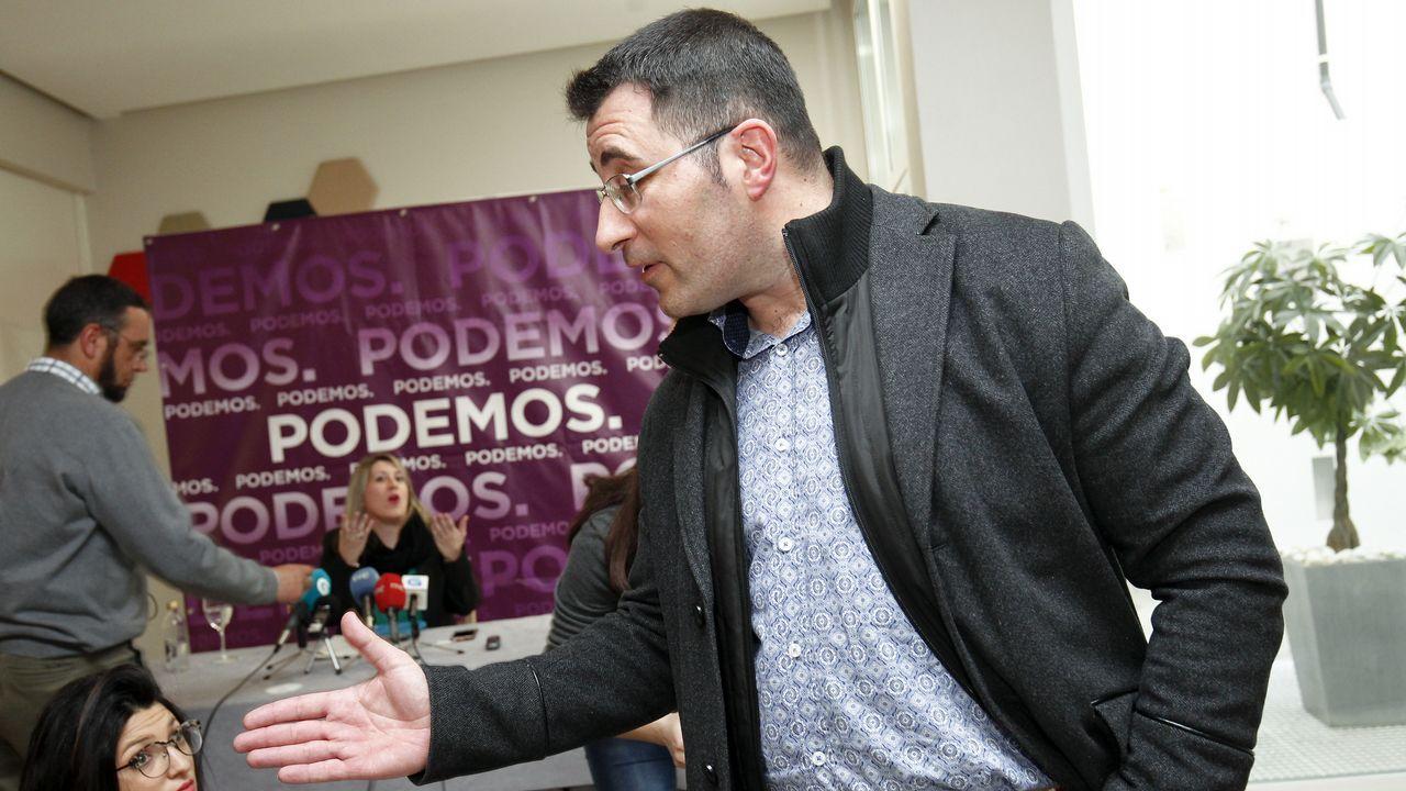 Juan Merlo acompañó a Carmen Santos tras entregar sus credenciales en el Parlamento