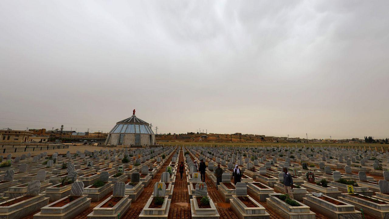 Un cementerio creado en 2012 para víctimas mortales de la Siria kurda