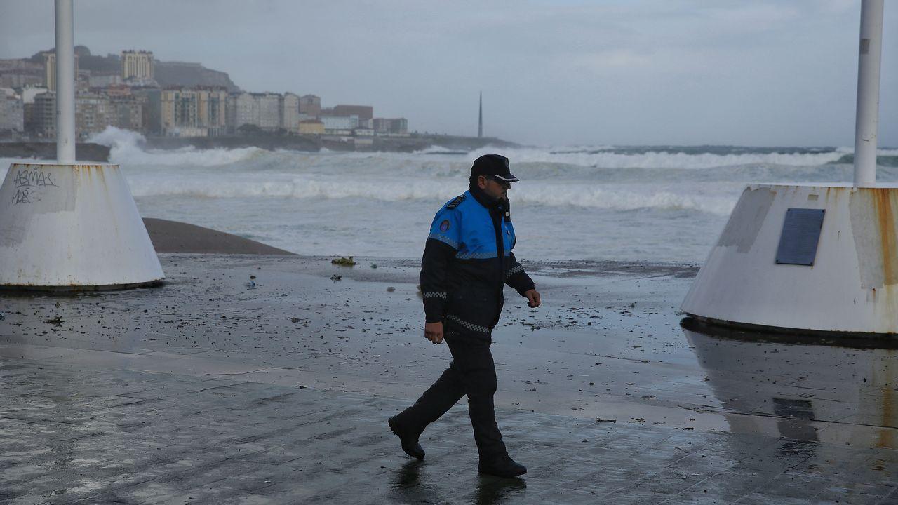 Intenso oleaje en A Coruña