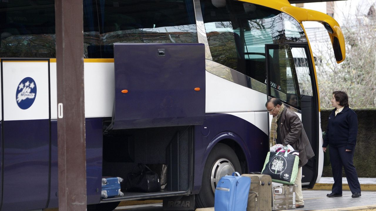 La autopista del Huerna.El bus híbrido circulará estos días por la ciudad.
