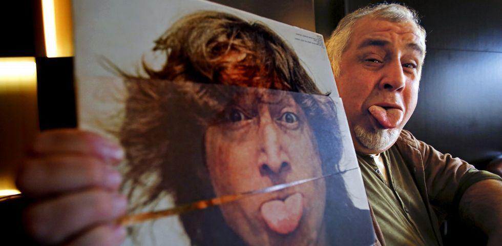 La promo de los Goya 2019: «Ríete en paz» con Silvia Abril y Andreu Buenafuente.Rob posa con uno de sus discos favoritos de John Lennon, al que su madre describía como una «muy buena persona».