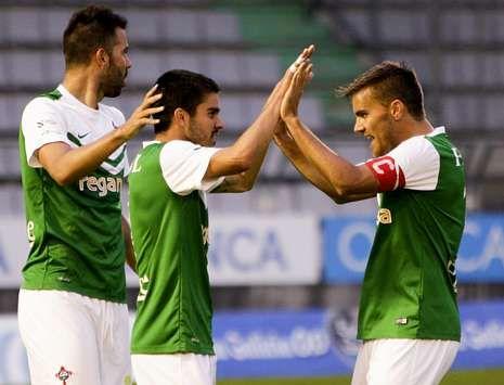 Las mejores imágenes de los partidos entre el Racing de Ferrol y el Compostela.El equipo verde superó al Astorga en la Copa, pero aún busca su primer triunfo en la Liga.