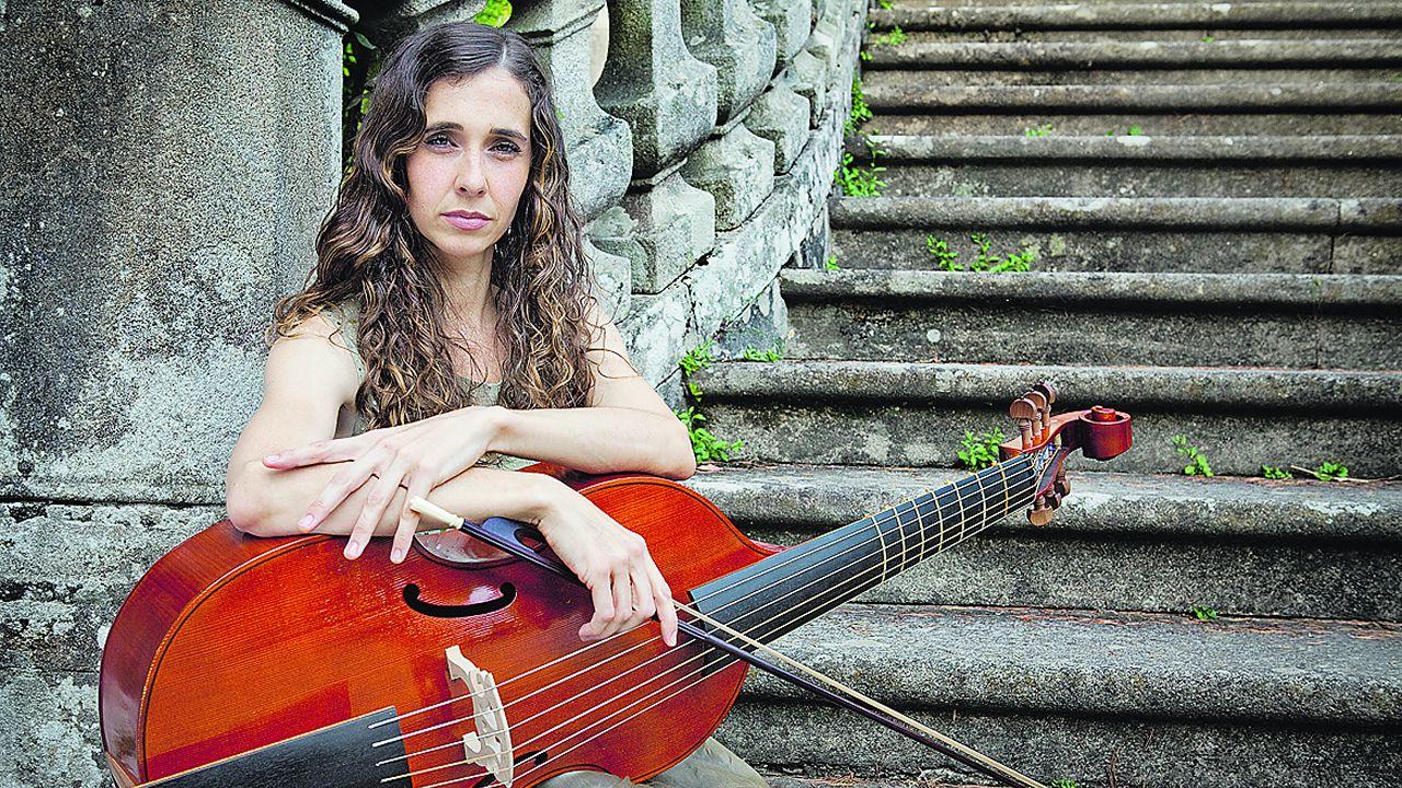 «De aquí no sales» - Rosalía.La Film Symphony Orchestra, dirigida por Constantino Martínez-Orts, en su concierto de A Coruña