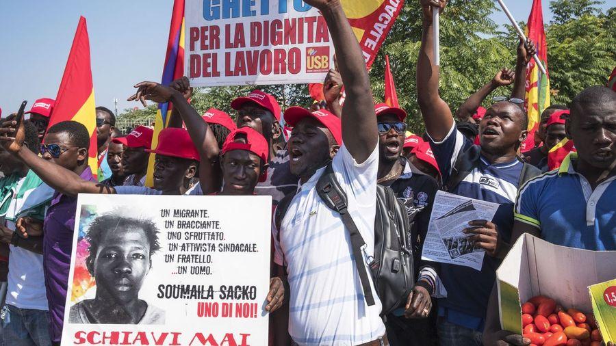 Italia: Tendencias en las luchas de clases. Nuevos gobiernos. - Página 3 Dpa_20180808_125023500