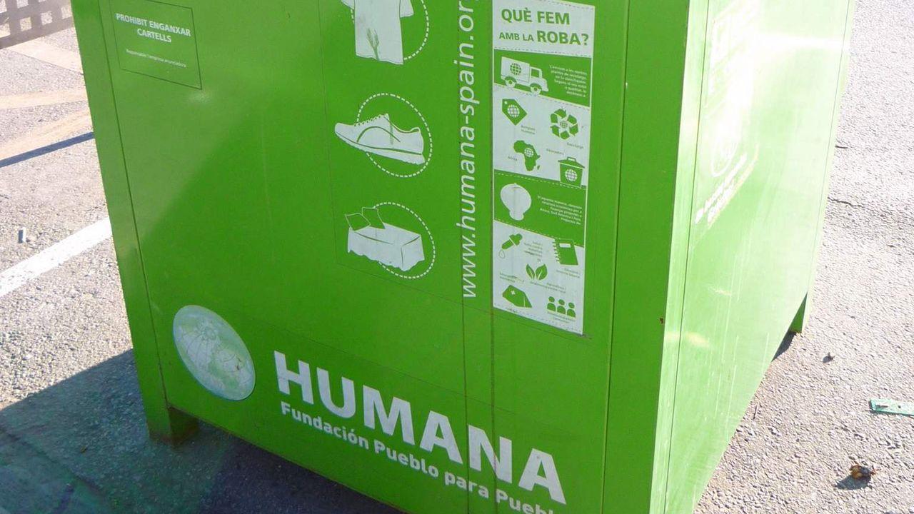 Contenedor de ropa de Humana Fundación Pueblo para Pueblo