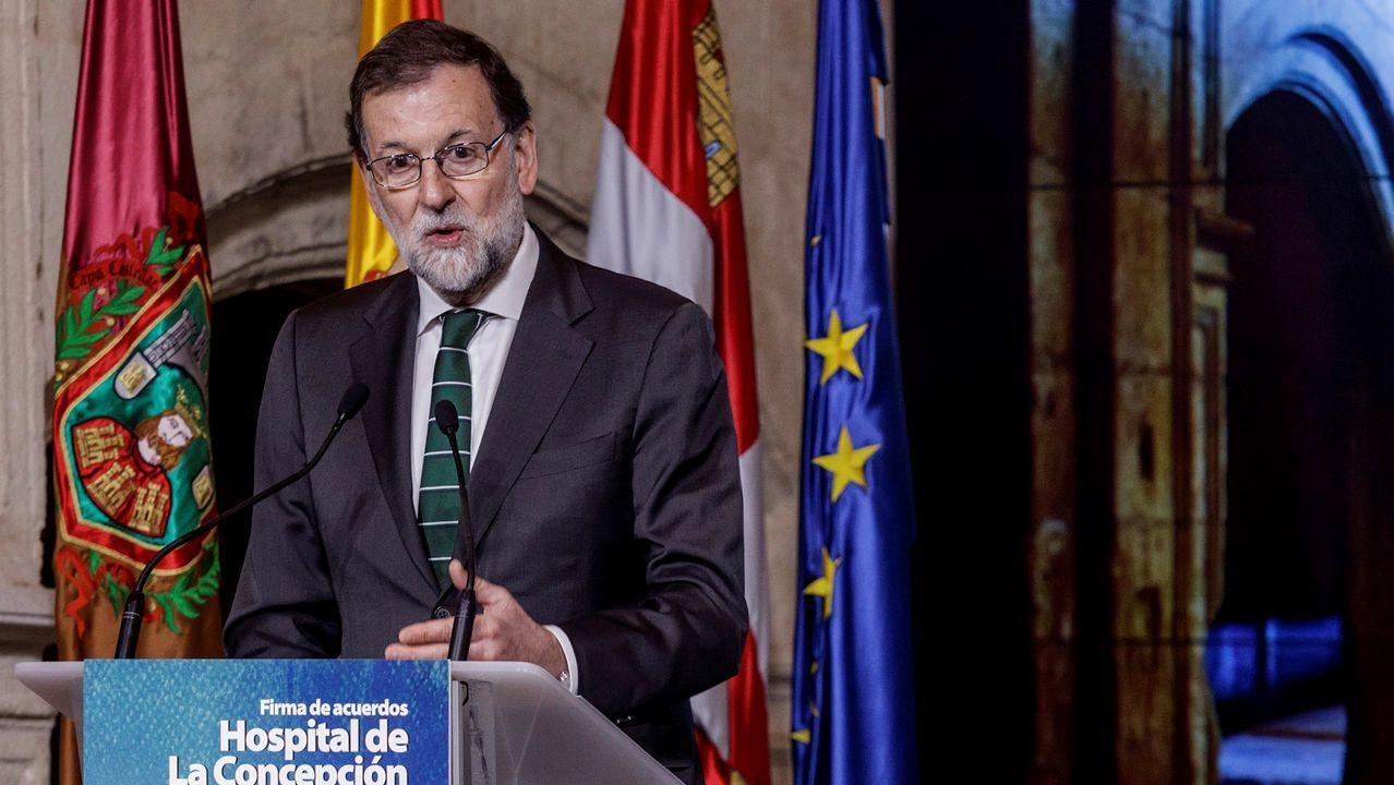 Torra: «Cataluña está esperando a sus políticos honorables».Frialdad entre Sáenz de Santamaría y Cospedal en el acto en Madrid de la fiesta del Dos de Mayo