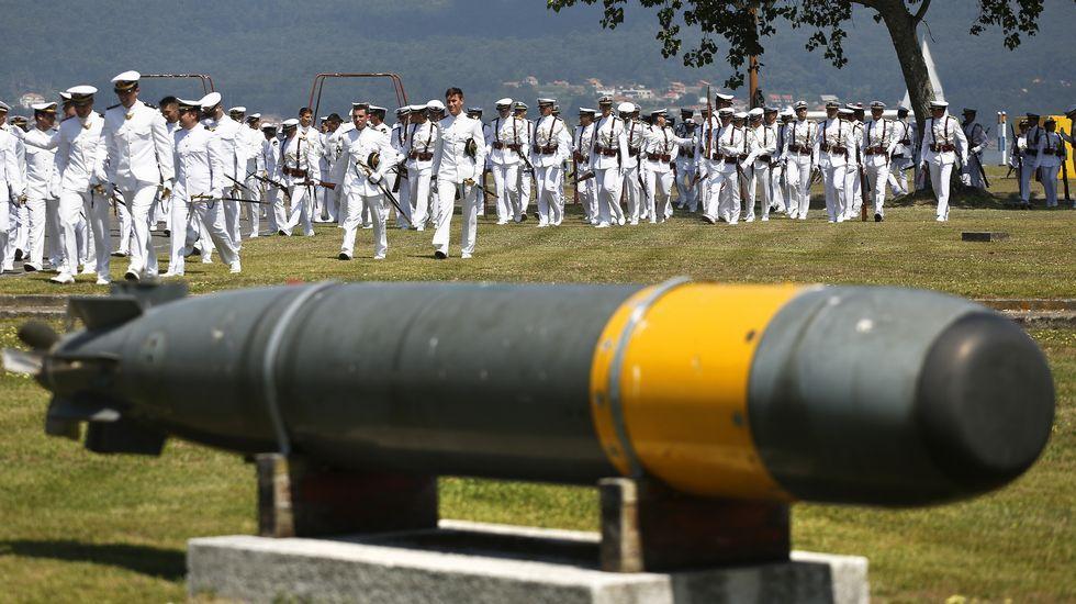 Jura de bandera y entrega de Reales despachos de la Escuela Naval Militar de Marín..