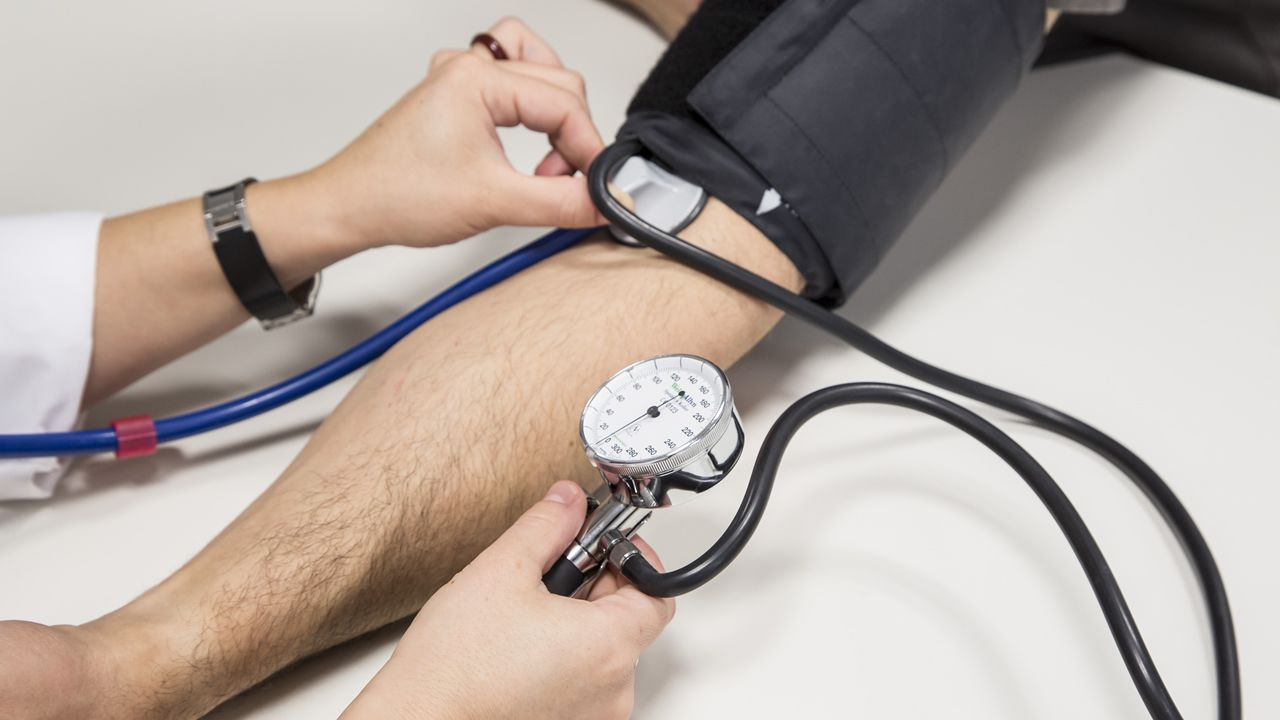 Sanidad retira más de un centenar de medicamentos contra la hipertensión