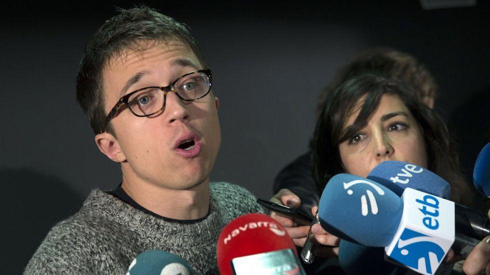 Unidos Podemos inicia conversaciones para presentar una moción de censura al Gobierno.Ramón Argüelles y Alberto Garzón, en las obras del soterramiento de Langreo