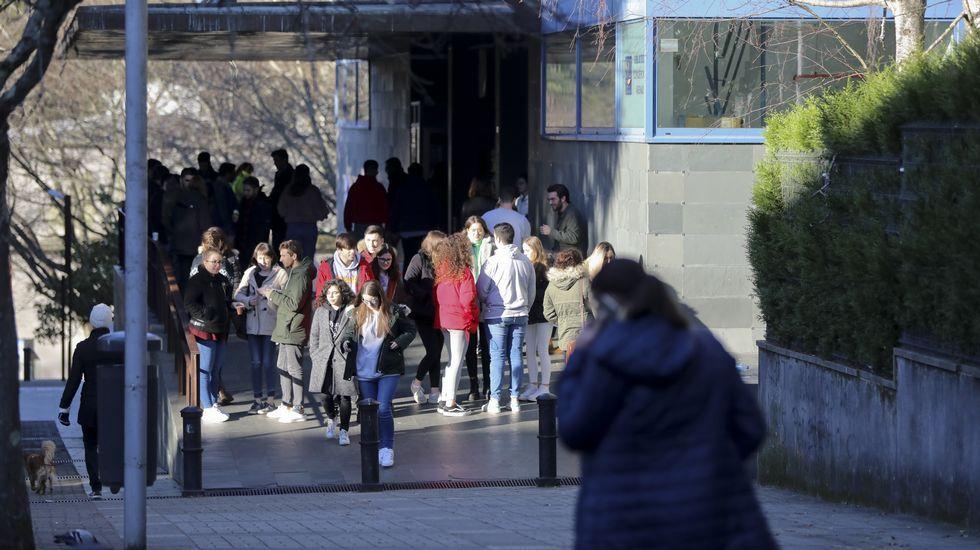 Protesta contra los recortes de la concertada.O secretario xeral de Política Lingüística, Valentín García, cre que en Vox descoñecen a realidade galega