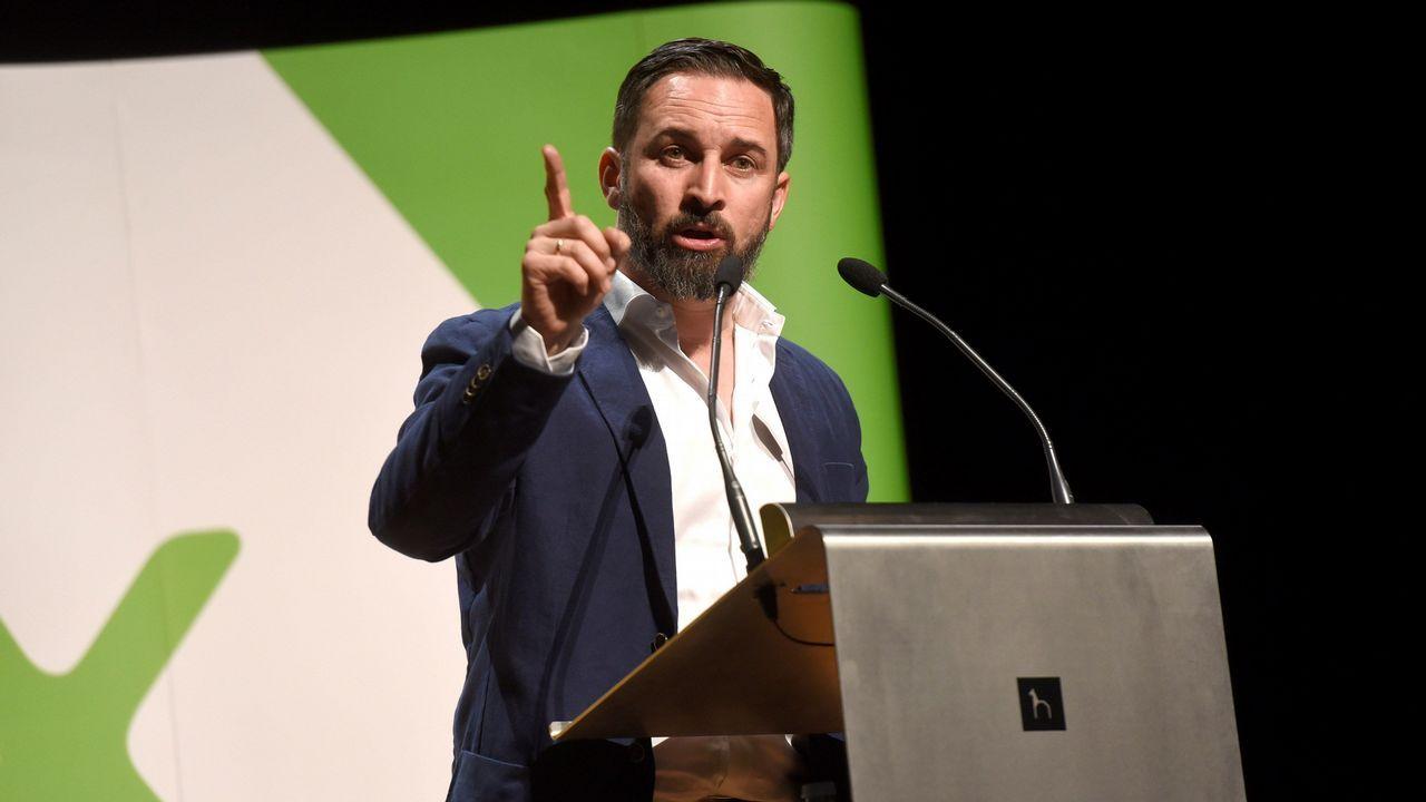 Abascal estrena campaña en Asturias.La Asociación de Constitucionalistas de España celebró un congreso y su asamblea en Santiago