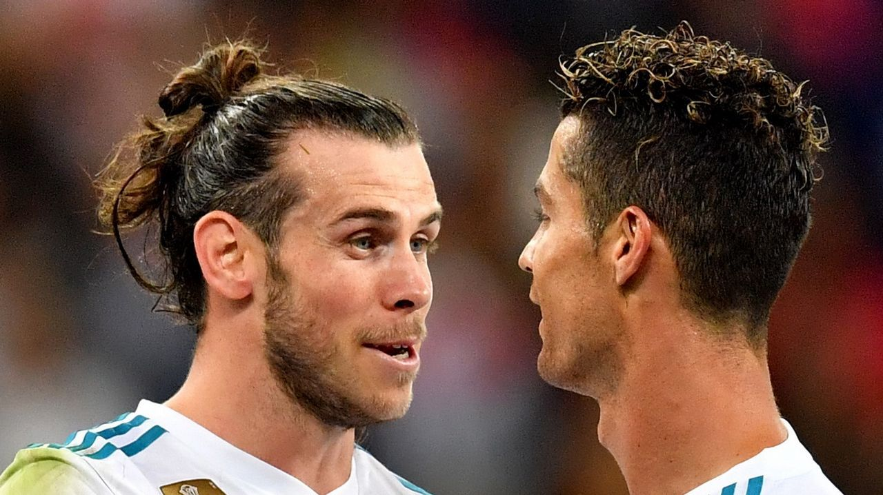 Guardiola se quita el sombrero ante el Real Madrid.Los jugadores del Madrid se trasladaron a la Cibeles en autocar descapotable