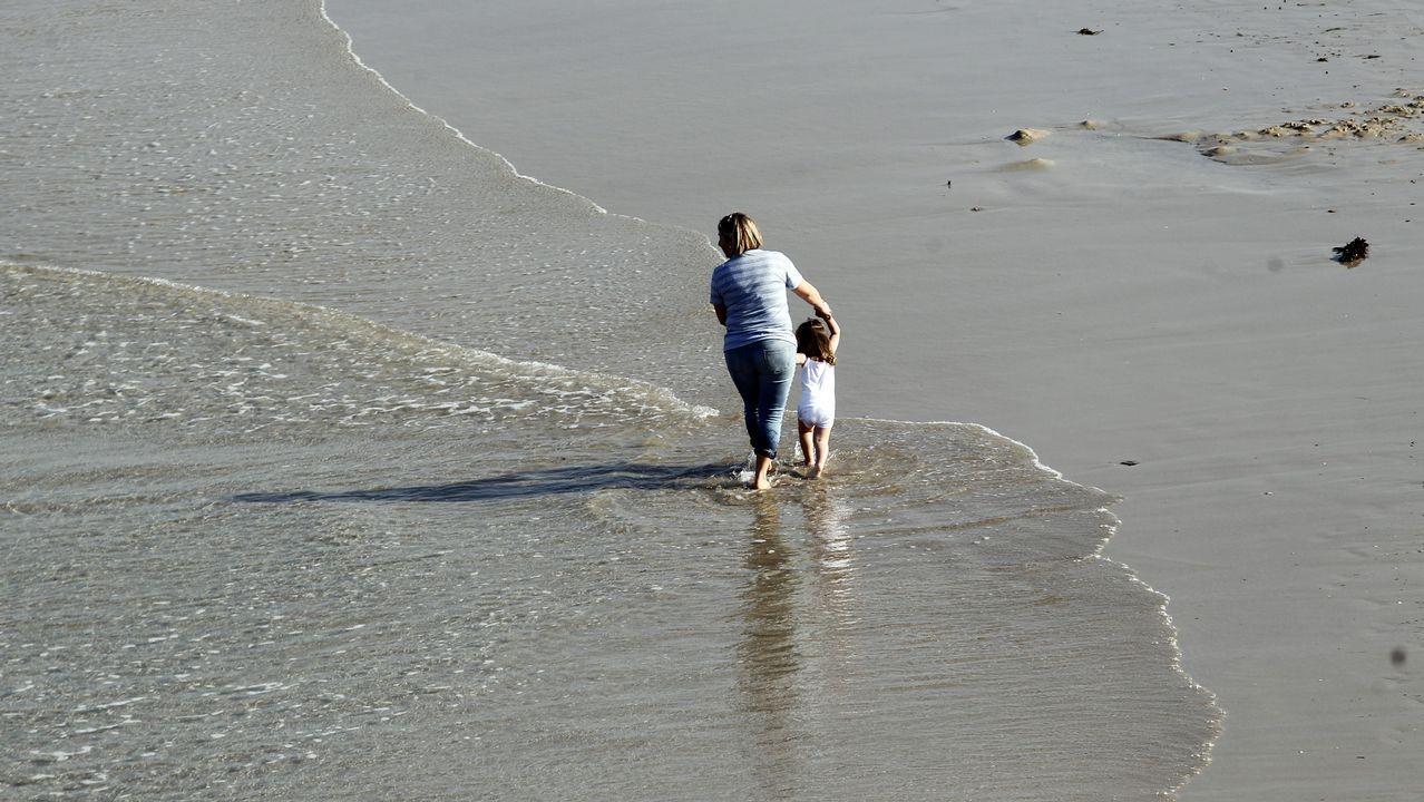 Cuidado con la radiación ultravioleta.La playa de San Lorenzo de Gijón