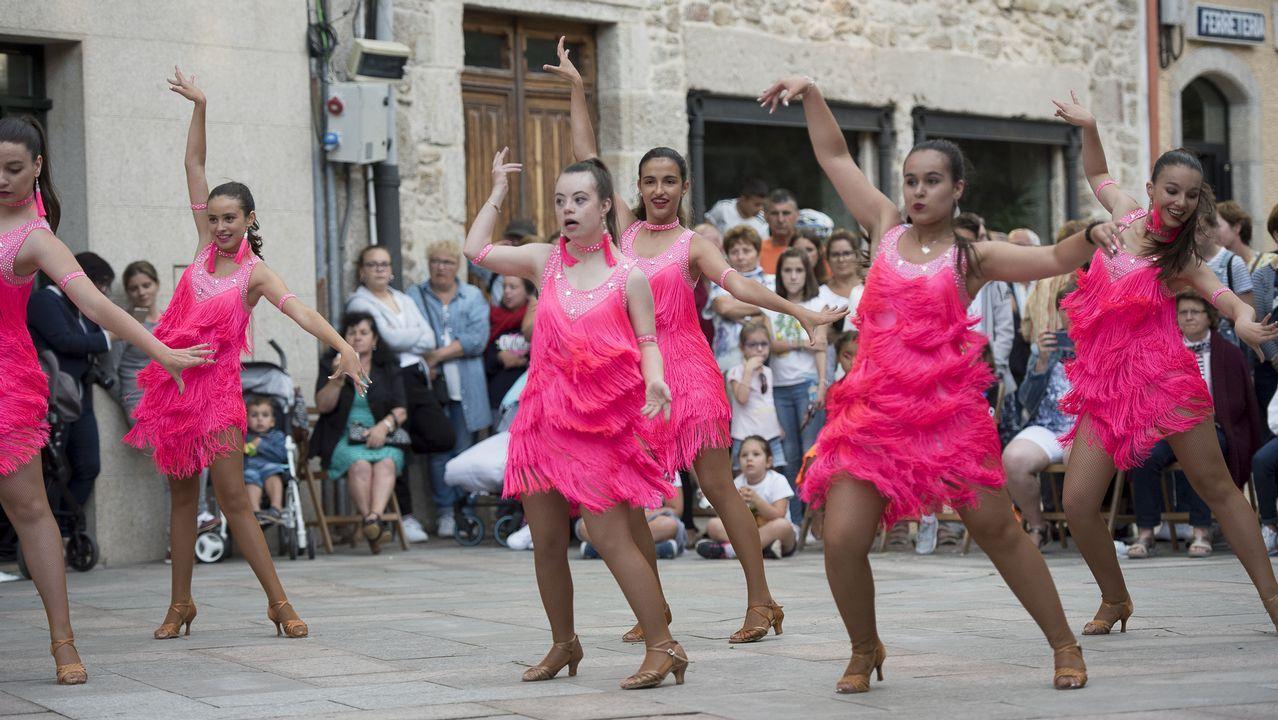 .Exhibición de bailes latinos de Arte e Movemento