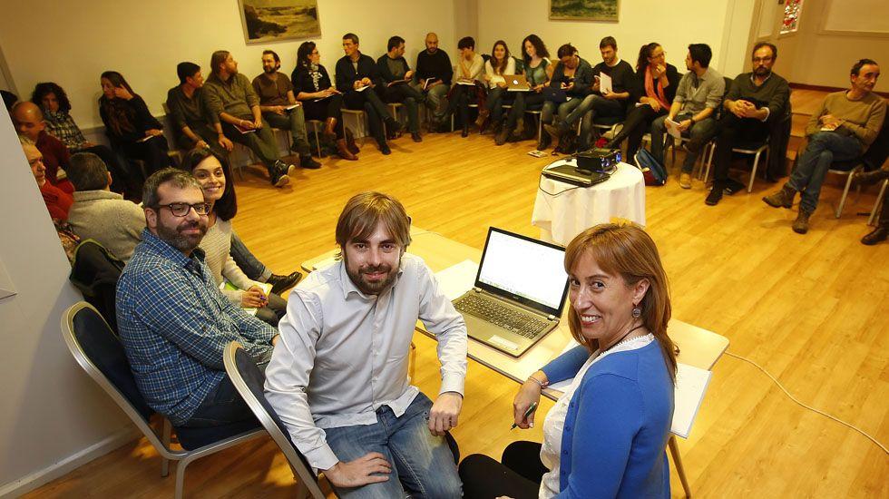 Una reunión del consejo ciudadano de Podemos Asturies