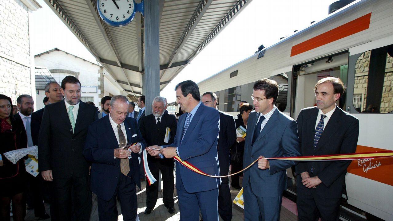 En la imagen, Feijoo junto a Fraga, Rajoy y Álvarez Cascos en el año 2003.