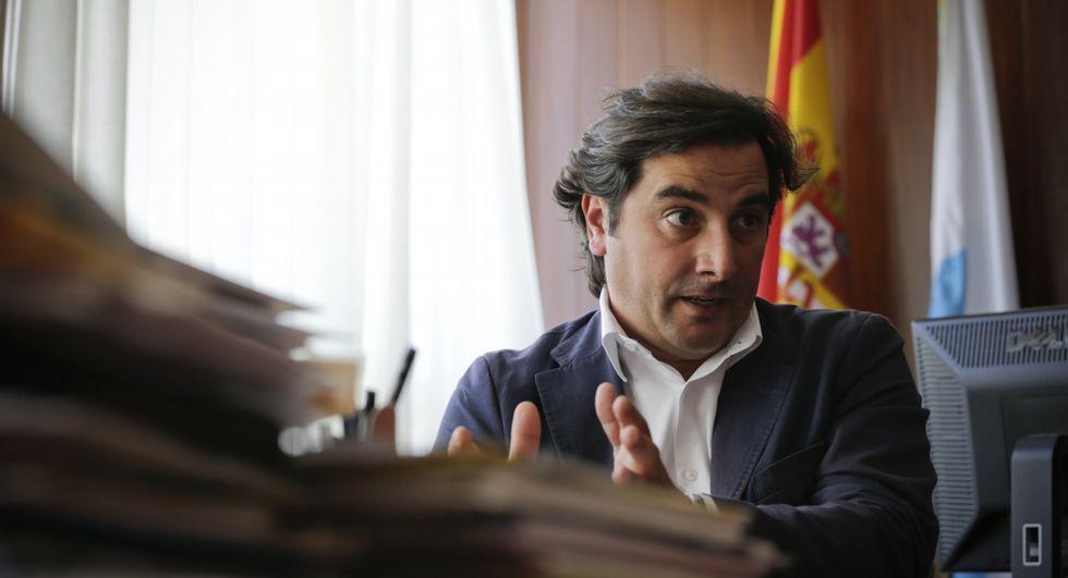José Varela asegura que ha roto su amistad con el alcalde porque se siente engañado.