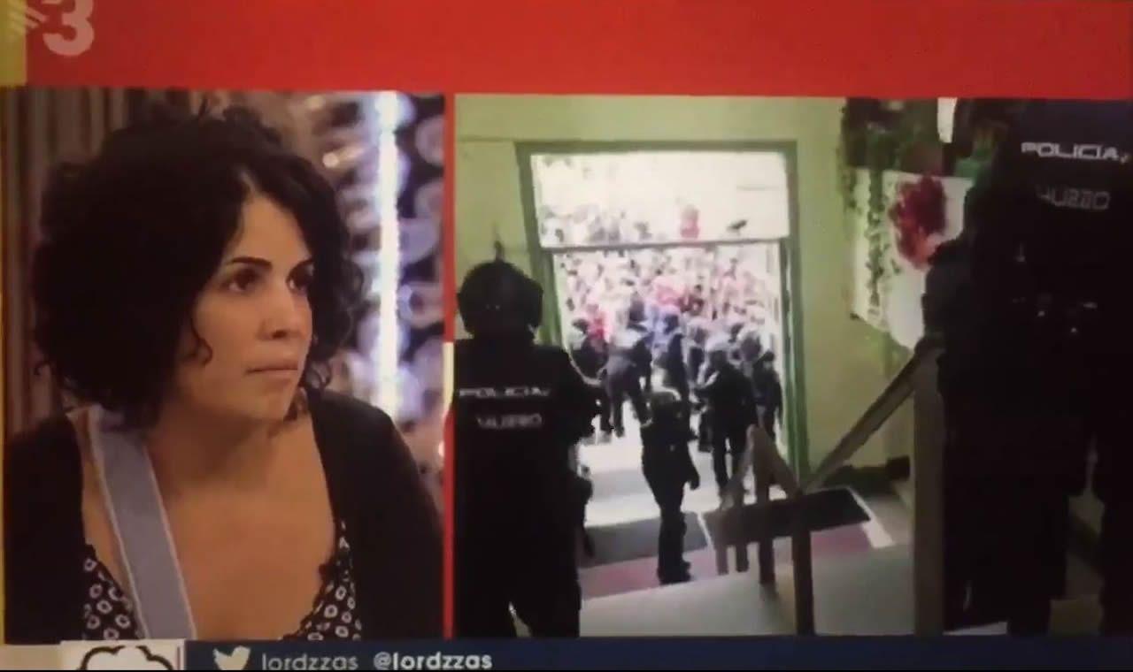 Abucheos a Pablo Iglesias en la estación de Sants de Barcelona.