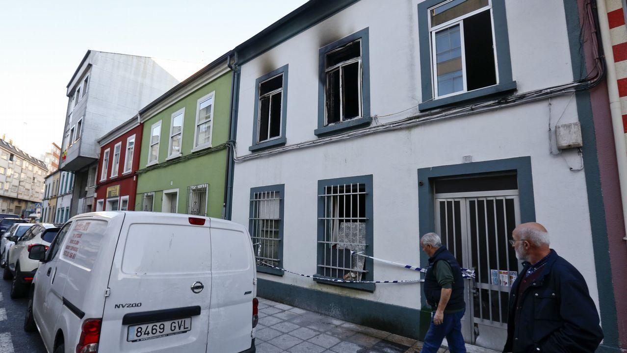 Estado en el que quedó la vivienda quemada en la rúa Flor da Malva.