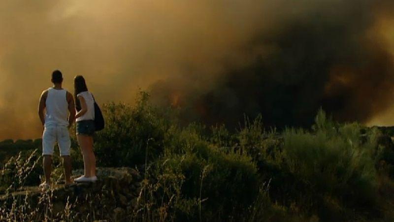 Impresionante incendio en Ávila.Los cambadeses afrontan el partido plenos de confianza tras su victoria ante el Prat.