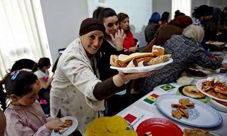 Habla la hermana de un desaparecido.Los inmigrantes usuarios de Cruz Roja compartieron los platos típicos de sus distintos países.