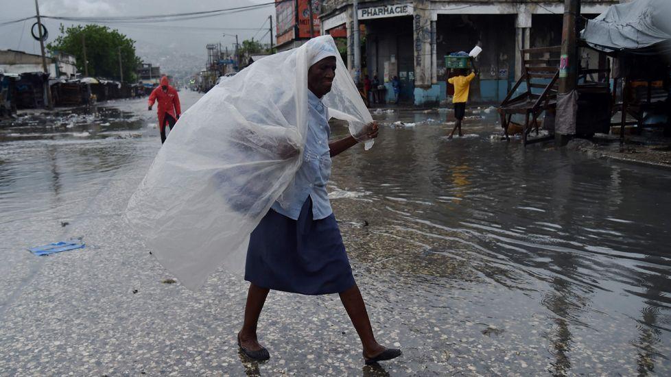 El huracán Matthew descarga su furia enHaití.Una imagen de «Menandros et Thaïs»