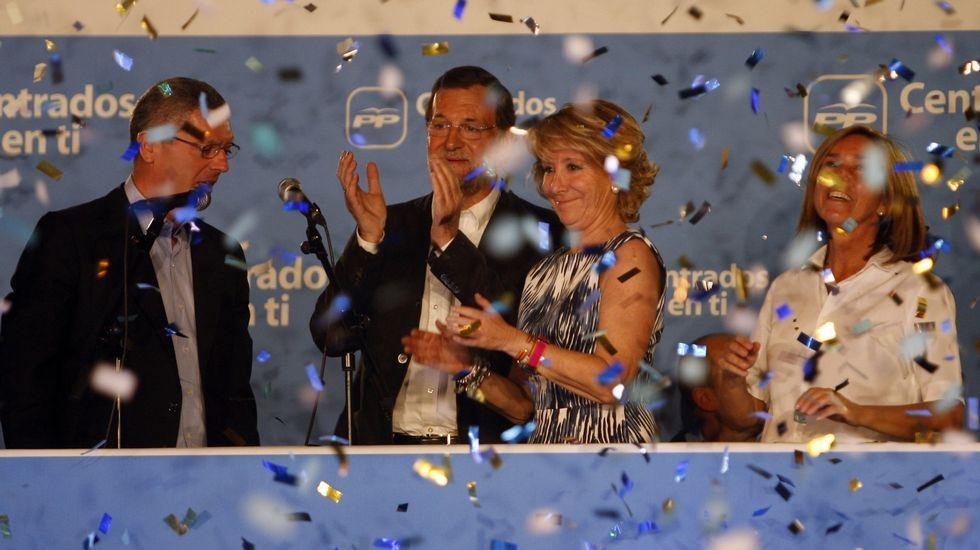 En  el 2011, celebrando la victoria en las municipales y autónomicas en Madrid.